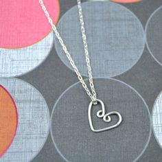 Found it at Blitsy - DIY Wire Heart Necklace / Happy Hour Projects