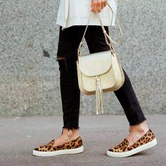 Der Herbst ist da und die Sommerschuhe wandern in den Keller? Nicht doch! Wir haben Tricks, wie ihr eure Schuhe wintertauglich macht.