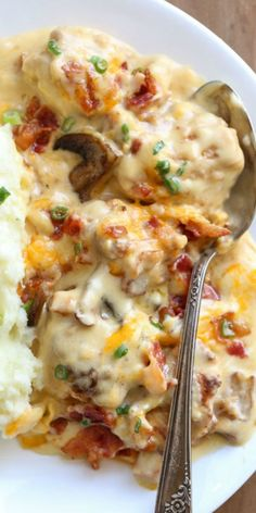 Chicken Casseroles are always a good idea! This Creamy Chicken Casserole Recipe … Chicken Casseroles are always a good idea! This Creamy Chicken Casserole Recipe with bacon, mushrooms, and cheese. A simple chicken casserole dinner recipe. Crock Pot Recipes, Healthy Chicken Recipes, Cooking Recipes, Recipe Chicken, Chicken Meals, Chicken Salad, Cooking Tips, Recipes With Bacon, Fried Chicken