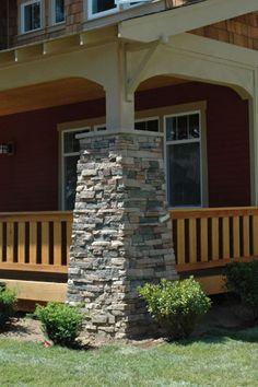 Craftsman porch - I like the railing #artsandcrafts #greenvillscrealestate #greenvilleschomerestoration