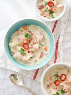 Fish Chowder With Copper River Salmon - foodiecrush Healthy Soup Recipes, Fish Recipes, Seafood Recipes, Cooking Recipes, Seafood Meals, Seafood Soup, Salmon Chowder, Fish Chowder, Copper River Salmon
