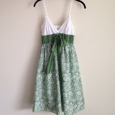 Max Studio Dress Max Studio dress with a big cute bow. This also has adjustable straps. Dress is lightweight, 100% cotton and lined. I wore this once. Great condition!!! Max Studio Dresses