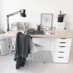 6 Cheap And Easy Unique Ideas: Minimalist Bedroom Diy Dreams minimalist living room decor scandinavian style.Minimalist Interior Decor Home Office. Mesa Home Office, Home Office Desks, Home Desk, Office Ideas For Home, Ikea Office, Office Nook, Minimalist Desk, Minimalist Bedroom, Minimalist Interior