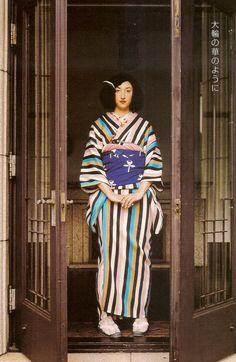thekimonogallery:  Kimono-hime issue 2. Fashion shoot page 7. ViaSatomi Grim of Flickr
