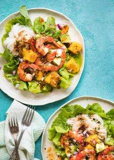 This Prawn Mango and Avocado Salad with Noodles is perfect for balmy summer days. Drizzled with a terrific Lime Sweet Chilli Dressing, this is a great no-cook meal! This recipe serves 2 and it is enough for a meal (see Nutrition ones). Prawn Salad, Seafood Salad, Pasta Salad, Mango Avocado Salad, Recipetin Eats, Quick Dinner Recipes, Special Recipes, Yummy Recipes, Cooking Recipes