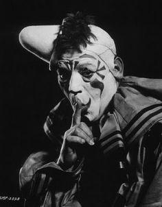 """Lon Chaney in """"Laugh, Clown, Laugh"""" (1928)"""
