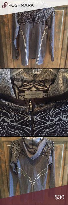 New Athleta Half Zip Hoodie Top L $79! New - tried on but never worn- Athleta Half Zip Hoodie - size large. Nylon / poly/ spandex. Colors: black/white - bought brand new for $79!! Athleta Tops Sweatshirts & Hoodies