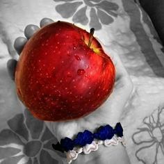 This nice Apple will be my dinner. Eat Healthy, Healthy Recipes, Apple Fruit, Dinner, Nice, Instagram Posts, Food, Healthy Eats, Health Recipes