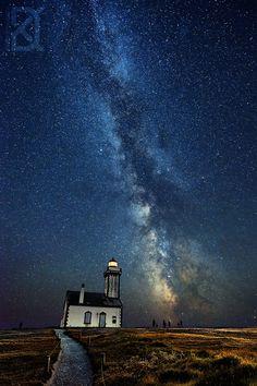 The Lighthouse Milky Way - Bretagne, France