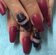 Acrylic nails by Celia Lopez