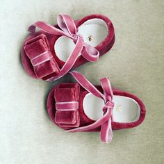 Terciopelo rosa Velvet Shoes, Sandals, Mini, Madrid, Instagram, Fashion, Pink, Baptisms, Fiesta Party