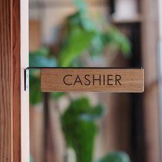 【Solid】フラットバー突き出しサイン|看板|オリジナル家具・金物の上手工作所オンラインショップ