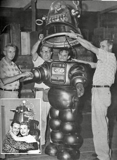 "Robby the Robot. ""Forbidden Planet"" directed by Fred M. Behind the scenes photos. Vintage Robots, Retro Robot, Fantasy Movies, Sci Fi Fantasy, Robby El Robot, Classic Sci Fi Movies, Por Tras Das Cameras, Cool Robots, Sci Fi Films"