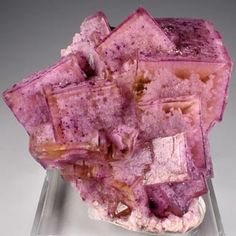Fluorite,-Cave-in-Rock-District,-Illinois