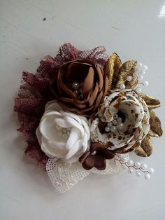 Burlap Flowers, Shabby Flowers, Fabric Flowers, Flower Brooch, Corsage, Fabric Crafts, Hair Accessories, Brooches, Jars