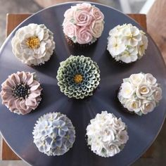 #flowercake #flower #cupcake #cake #buttercream #flowercupcake #piony #scabiosa #party #partycake  www.soocake.com