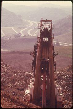 Look Coal strip mine hydraulic shovel