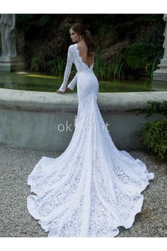 Bridal dresses are offered in various design options. The wedding dress is something that is priceless for the bride. While the white wedding dress is no longer a bridal item to be chosen strictly,… Fitted Wedding Gown, Wedding Dress Sleeves, Long Sleeve Wedding, Lace Sleeves, Dress Lace, Gown Wedding, Lace Dresses, Ivory Wedding, White Dress