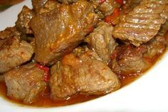 Carne de vita cu bere (Retete mancare englezeasca) - Powered by Eater. Cooking For A Crowd, Romanian Food, Greek Recipes, Cookie Recipes, Recipies, Good Food, Food And Drink, Pork, Beef