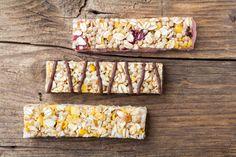 Ricetta barrette ai cereali fatte in casa - Uno spuntino sano e goloso per adulti e bambini per rimanere in forma non sprecando denaro con ingredienti genuini