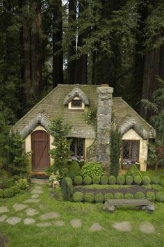 little yellow cottage - seems like something magical would be going on in the vicinity, no?