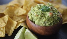 Today I'm sharing with you a recipe to make the best Guacamole. Guacamole is…