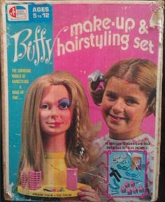 AMSCO: 1971 Family Affair Buffy Make-Up & Hairstyling Set Had this exact one and loved it! Vintage Girls, Vintage Toys, Johnny Whitaker, Feud Bette And Joan, Anissa Jones, Baby Jane, Family Affair, Teenage Years, Retro Toys