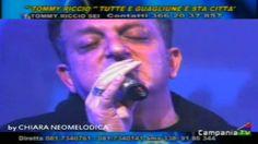 Tommy Riccio - Nu latitante - Live Campania Tv Oggi mi sono definito come un boss della mafia in prigione. Nei rioni popolari mi anno definito un latitante per la mia attività di potente e capo.