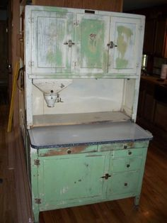 This is the style of my cabinet! Can't wait to finish it! Vintage Kitchen Cabinets, Old Cabinets, Old Kitchen, Refurbished Furniture, Upcycled Furniture, Cool Furniture, Painted Furniture, Bakers Cabinet, Cupboard