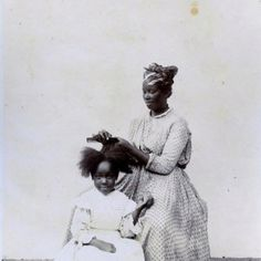 Reminds me the time when my Madreselva use to do my hair. almost the same, only we are latin in stead of afro :) Girls Natural Hairstyles, Black Girls Hairstyles, Natural Hair Styles, Curly Hair Styles, Natural Girls, Ethnic Hairstyles, Dreadlock Hairstyles, Updo Hairstyle, Hairdos