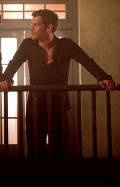 1x2_Klaus_Mikaelson_House_of_the_Rising_Son