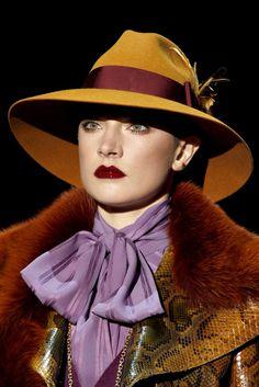 Gucci Fall 2011 Ready-to-Wear Fashion Show Details