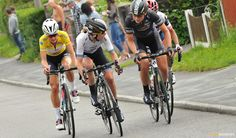 Consultation between Wiggle-High5's Emma Johansson and Elisa Longo Borghini in the break.
