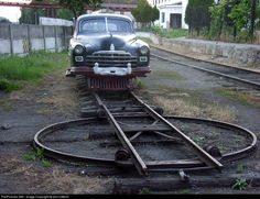 I believe this car is used as an inspection vehicle on the narrow gauge lines around Haivoron. It is seen at Haivoron with it`s own turntable.