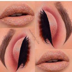 makeup looks ashy with flash Gold Cut Crease, Cut Crease Eye, Prom Makeup Tutorial, Makeup Pictorial, Eye Makeup Steps, Makeup Tips, Makeup Ideas, Cut Crease Tutorial, Top 15
