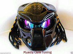 Predator motorcycle helmet from Muscle Cars Tuning. Cool Bike Helmets, Custom Motorcycle Helmets, Custom Helmets, Motorcycle Gear, Custom Bikes, Airsoft, Predator Helmet, Predator Alien, Motorbike Accessories