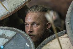 Vikings season 2 Ragnar - Travis Fimmel Those eyes again.........