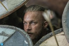 Vikings season 2 Ragnar - Travis Fimmel Those eyes again.........