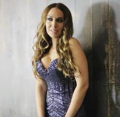 Monica Naranjo by LR La sensualidad de Mónica Naranjo ganó la LR en España  LR HEALTH & BEAUTY | LR Célio Freitas | #lrceliofreitas #perfumecristinaferreira #mickaelcarreira #meoarena