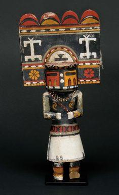 "Poupée Kachina ""Zuni Hemis"" Hopi, Arizona Deuxième moitié du XX e siècle H_35 cm Provenance : Morning Star Gallery résultat : 9000 €"