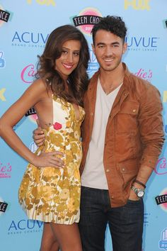 Danielle Jonas Debuts Her Baby Bump At Teen Choice Awards