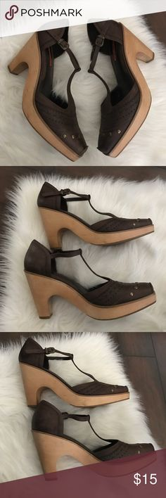 Via Spiga Heels Here's a super cute pair of via Spiga clog type heels in a 9.5! Great condition, some scuffs and marks throughout as shown, but lots of love left in them! Nice and sturdy and high quality! Perfect for upcoming fall! :) Via Spiga Shoes