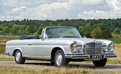 Curbside Classic: 1966 Mercedes Cabriolet – The Classiest Mercedes Of Them All? Mercedes 280, Mercedes Benz Coupe, Classic Mercedes, Mercedes Benz Cars, M Benz, Mercedez Benz, Train Car, Retro Cars, Vintage Cars