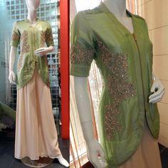 #mrunalsboutique #fashion #women #men #oman #madeforyou #customized #indiandesigner #arabdesigner #fashiondesigner