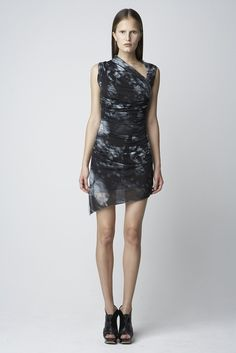 Helmut Lang Spring 2010 Ready-to-Wear Fashion Show - Alla Kostromichova