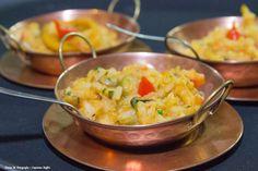 Mini paella de frutos do mar ao toque de açafrão. #fingerfood #wedding #captainsbuffet