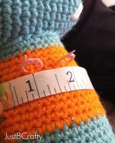 Tips for Attaching Amigurumi Limbs - Tutorial here: http://www.justbcrafty.com/2013/10/tips-for-attaching-amigurumi-limbs.html