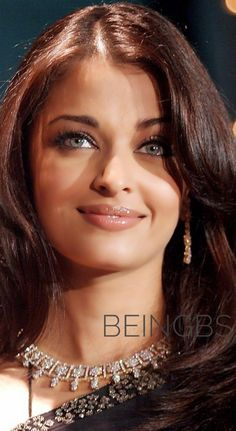 Aishwarya Rai Wallpaper, Aishwarya Rai Images, Actress Aishwarya Rai, Indian Bollywood Actress, Aishwarya Rai Bachchan, Indian Actresses, Lovely Eyes, Beautiful Lips, Gorgeous Women