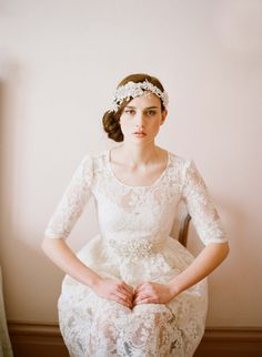 vintage wedding dress w/sleeves :: love!