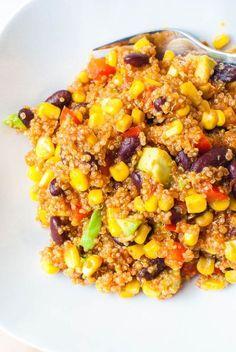 Mexikanische Quinoa-Pfanne mit Avocado